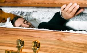 Man dead declare but wake up in his coffin before funeral